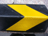 Protector de borde de goma durable de la esquina de la pared de la fuente directa de la fábrica