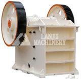Móvil de trabajo liso de la trituradora de quijada/máquina machacante móvil