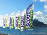Praia ao ar livre que anuncia a bandeira da pena do vento com impressão da bandeira do vôo