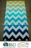 シェブロンクールなデザインの100%年の綿のベロアの反応印刷されたビーチタオル