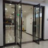 Les portes d'oscillation en aluminium de double de bâti de qualité avec Tublar traite Kz043
