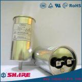 O motor de C.A. do aparelho electrodoméstico funciona e liga o capacitor Cbb65