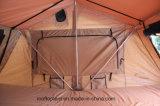 グループ屋外車の屋根の上のテント