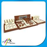Présentoir acrylique en bois solide d'exposition de montre de qualité