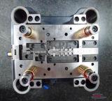 Molde de estampagem de precisão profissional para perfuração Terninal de motor