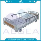 鋼鉄ベッドのボード3機能病院の電気医学のベッドが付いているAGBm100