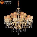 Klassischer Kognak-Kristallkerze-Leuchter-hängende helle Lampe mit den Glasarmen für Hochzeit InnenOm88033c