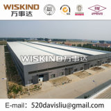 Edificio comercial de la estructura de acero del cuento multi con la hoja del material para techos