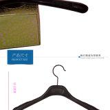 Perchas superiores plásticas de las mujeres al por mayor de encargo con las etiquetas engomadas antirresbaladizas
