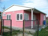 Ein Plattform-Fertiglandhaus für Ferien
