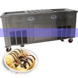 タイは二重平たい箱の鍋によって揚げられているアイスクリーム機械を転送した
