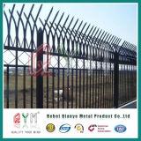 PVC는 직류 전기를 통한 말뚝 용접 담 용접 금속 말뚝 울타리를 입혔다