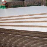 18mm 유칼리나무 코어 Emossed 멜라민에 의하여 박판으로 만들어지는 상업적인 합판