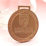 Médaille en laiton antique plaquée en métal avec le modèle creux