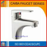 Grifo de agua del lavabo del cuarto de baño/acero inoxidable del golpecito 304
