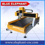 CNC do Desktop de 4 linhas centrais que cinzela o router de madeira da máquina para a venda