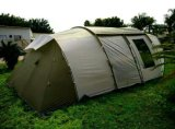 خارجيّة يخيّم [سون] ظل خيمة