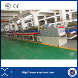 O PVC espumou placa que faz a maquinaria do plástico da máquina