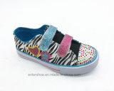 Zapatos agradables de los niños del ocio con la punta de los Rhinestones (ET-LH160290K)