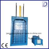 Costipatore e pressa per balle idraulici verticali dell'immondizia
