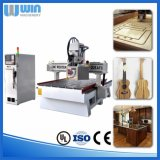 家具のドアCNCの彫版機械価格を切り分ける木製の回転式軸線