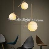 Lampe suspension en métal et en verre à billes rondes Ampoule à décoration simple Applique murale au plafond pour marché européen