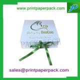 カスタムリボンの赤ん坊の総括的な包装のギフト用の箱の装飾的な香水ボックス宝石箱の紙箱のボール紙のパッキング菓子器