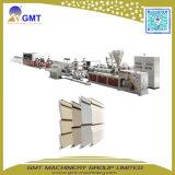 Machine de dégrossissage d'extrusion de revêtement de mur extérieur de vinyle en plastique de PVC
