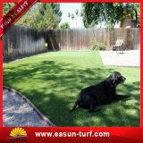Трава искусственной стены травы сада дерновины травы искусственной синтетическая искусственная