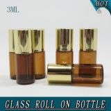 roulis en verre vide lustré en laiton antique de la fiole 3ml sur la bouteille