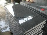 Il granito grigio scuro del granito G654 di Economic&Cheap copre di tegoli le lastre del granito