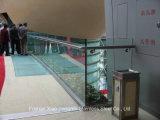 강철 포스트 건축재료를 위한 유리제 계단 스테인리스 철도망