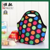 ネオプレンのハンドルが付いている方法によって絶縁されるピクニック昼食涼しい袋