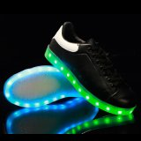 7개의 LED 빛 유일한 LED 빛난 단화를 가진 최신 판매 백색 색깔 Minnetonka