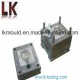 電気機器のためのプラスチック注入型