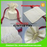 赤いストリングが付いている新しい白の100%年の綿織物のドローストリング袋