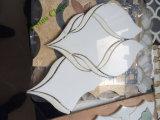 Waterjet白い大理石のモザイク浴室のタイル