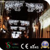 屋外の商業クリスマスの街灯の装飾