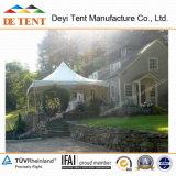 정원에 있는 반대로 Fire Conical Tents