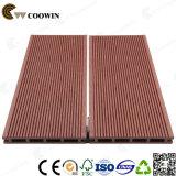 Decking composito impermeabile resistente UV di prezzi di fabbrica