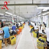 Revestimento novo de Softshell de homens vermelhos da planície do projeto de China com Hoody (QF-4040)