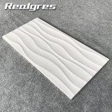 Белой плитка стены волны 300*600 лоснистой застекленная поверхностью керамическая