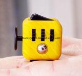 落着きのなさの立方体はボタンとの圧力、子供および大人のための心配の落着きのなさの圧力救助の焦点のおもちゃの最もよいギフトを取り除く