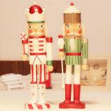 A mão nova do projeto Crafts o rei Estátua do Nutcracker da resina do Natal