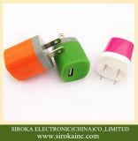 Cores personalizadas nós carregador universal do telefone de pilha do USB 5V 1A do plugue único