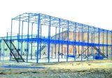 塗られた温室の多彩なプレハブの鋼鉄倉庫