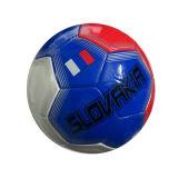 فتى عبث رياضة لعب خارجيّة لعب كرة قدم ([ه10492006])