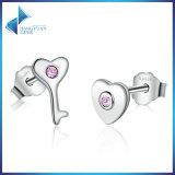 A prata esterlina de 100% 925 genuínos a chave do coração & CZ cor-de-rosa enche brincos