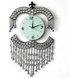 Часы стены метода красивейшего кристаллический утюга нанесённые для украшения