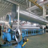 Câmara de ar espiral que dá forma à máquina para a tubulação do duto de HAVC que faz a produção